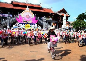 Diễu Hành Xe Đạp Kính Mừng Đại Lễ Phật Đản PL 2560 – 2016.