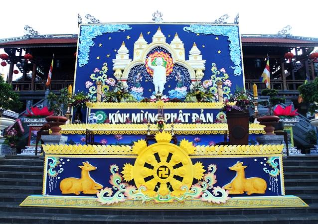 Đại Lễ Phật Đản PL.2559 - 2015 tại Chùa Tỉnh Hội Phật Giáo Đak Lak.