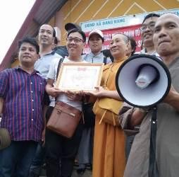 Đoàn Từ Thiện Vạn Thiện t/p Hồ Chí Minh Tặng Quà Tại Buôn Cư Ko Emong – Xã DangKang – Krông Bông