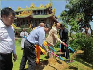 Thượng tướng Tô Lâm ủy viên Bộ chính trị ,Bộ trưởng Bộ Công an,Trưởng ban chỉ đạo Tây nguyên thăm và trồng cây lưu niệm tại chùa Nam Thiên