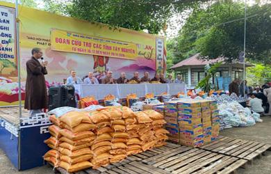 Đắk Lắk:Phật giáo Đồng Tháp trao tặng 250 suất quà tại NPĐ Pô Lăn và NPĐ A Di Đà