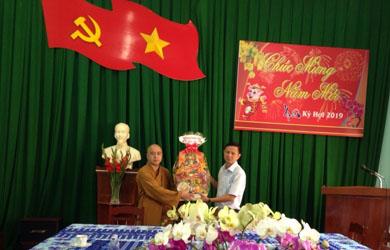 Ban Trị sự Phật giáo huyện Cư Mgar thăm chúc tết các cơ quan trong huyện