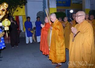 Đại lễ Phật đản PL.2561 tại TP.HCM: Thiêng liêng lễ rước Phật từ Ấn Quang đến Việt Nam Quốc Tự