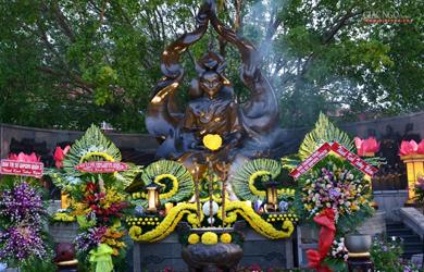 Trang nghiêm lễ tưởng niệm Bồ-tát Thích Quảng Đức