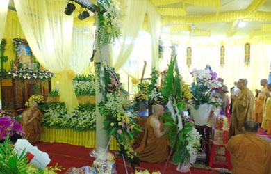 Ban Trị sự Phật giáo Đắk Lắk viếng Tang Giác linh Thượng tọa Thích Giác Sĩ