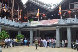 Chùa Sắc Tứ Khải Đoan Tổ Chức Tiệc Buffet Chay Trong Tuần Lễ Phật Đản PL 2560 – DL 2016.
