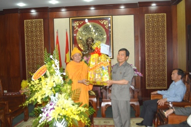 Thường trực Ban Trị sự GHPGVN tỉnh Đăk Lăk đi thăm và chúc Tết lãnh đạo BCĐ Tây nguyên, Tỉnh ủy, UBND, UBMTTQVN và  các Cơ quan chức năng của Tỉnh Đăk Lăk và TP. Buôn Ma Thuột.
