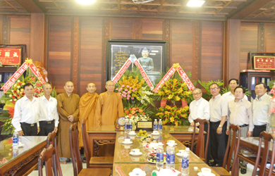 Ủy ban đoàn kết công giáo tỉnh Đắk Lắk chúc mừng đại lễ Phật đản PL. 2564.