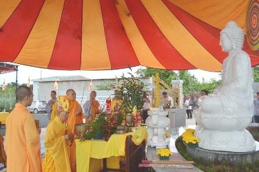 Lễ Tôn Tượng Bổn Sư Thích Ca và Bồ Tát Quan Thế Âm lộ thiên Tại chùa Diệu Âm Tp Buôn Ma Thuột.