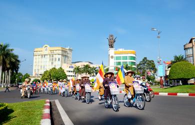 Chùm Ảnh Diễu hành xe đạp hoa Mừng Phật đản Vesak 2019