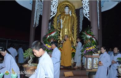 Chùa An Hoà TX.Buôn Hồ thắp nến tri ân ngày Vía Phật A Di Đà.