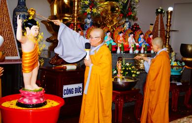 Chùa Phước Hòa xã EaKnuec Kính mừng Đại Lễ Phật Đản