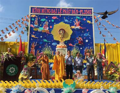 Huyện Eakar: BTS long trọng tổ chức Đại lễ Phật Đản PL.2562 - DL.2018