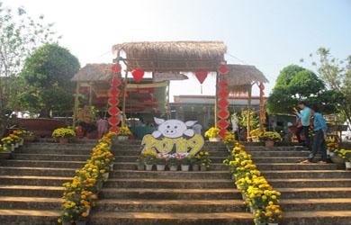 Chùa Huệ Nghiêm xã Easol huyện Eahleo lễ cầu an đầu năm