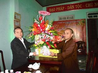 Ban tôn giáo tỉnh DakLak, thăm và chúc mừng Phật Đản PL 2561 tại BTS Phật giáo Huyện Ea Hleo.