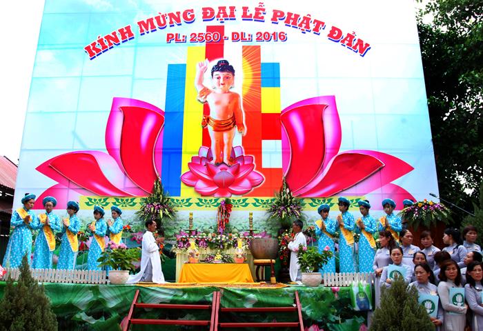 Đại Lễ Phật Đản tại Tịnh Xá Ngọc Quang - Phường Thắng Lợi  TP.Buôn Ma Thuột