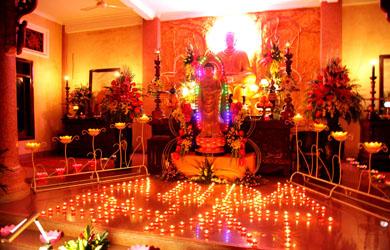 Tịnh xá Ngọc Quang tổ chức lễ Hoa đăng Vía A Di Đà