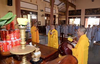 Lễ Bố Tát tại chùa Liên Trì thành phố Buôn Ma Thuột