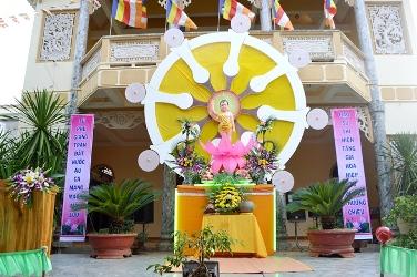 Chùm ảnh chuẩn bị Lễ Phật Đản Krông Pắc