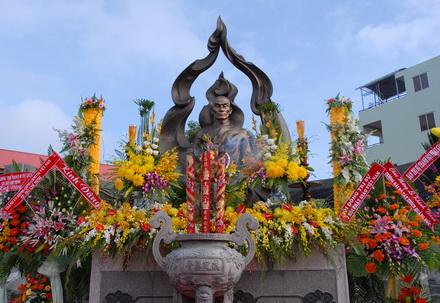 Trang nghiêm tưởng niệm Bồ-tát Thích Quảng Đức