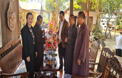 Ban Tôn giáo tỉnh Đắk Lắk thăm chúc Tết Ban Trị sự Phật giáo Ea Sup