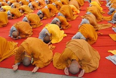 Lạy Phật và những trải nghiệm của tự thân