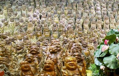 Một doanh nhân sưu tập 9.200 tượng Phật