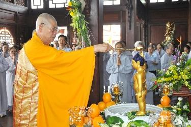Lễ Tắm Phật – Khai Mạc Tuần Lễ Phật Đản PL 2560 - DL 2016