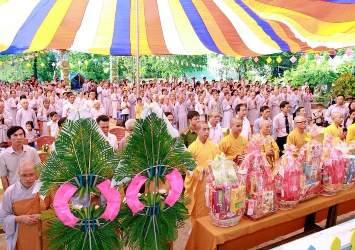 Ban Trị sự Phật giáo Huyện Krông Ana trang nghiêm Đại Lễ Phật Đản