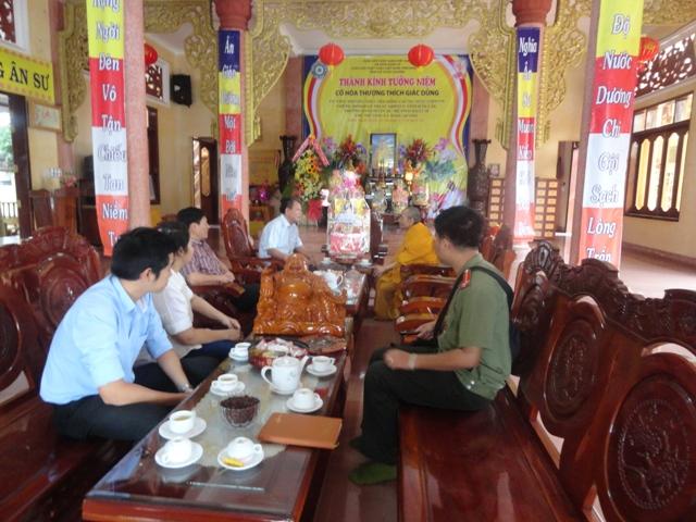 Đoàn Công an tỉnh Đak Lak chúc Tết chư tăng tịnh xá Ngọc Quang