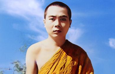 Sư tu theo truyền thống Phật giáo nào?