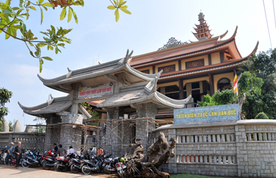 Một số hình ảnh trong ngày Rằm tháng giêng tại một số chùa trong Thành phố Buôn ma thuột (P2)