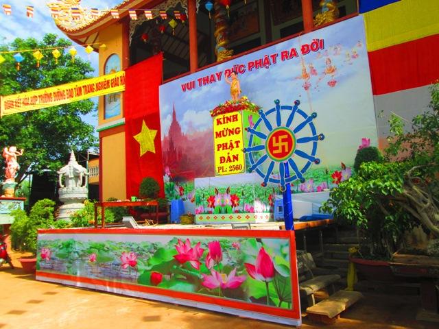 Chùm ảnh công tác chuẩn bị Lễ Phật Đản Krông Ana