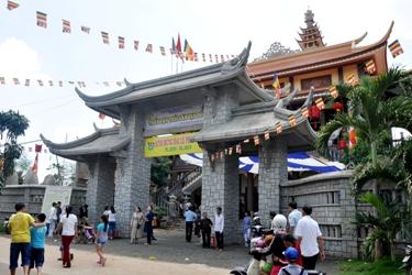 Thiền Viện Trúc Lâm Vạn Đức: Tổ chức đại lễ Phật Đản PL.2559