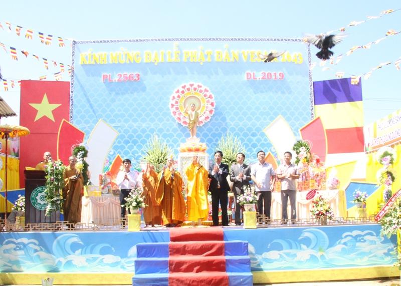 Chùa Quán Thế Âm, xã Eak Mút long trọng tổ chức Lễ Phật Đản VESAK PL.2563 – DL.2019