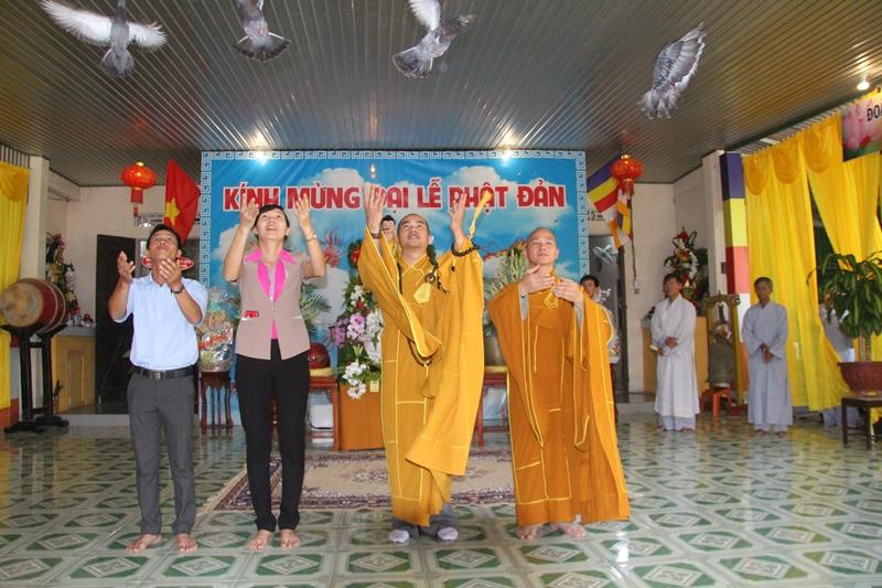 Niệm Phật Đường Tuệ Đăng long trọng tổ chức Lễ Phật Đản PL.2563 – DL.2019
