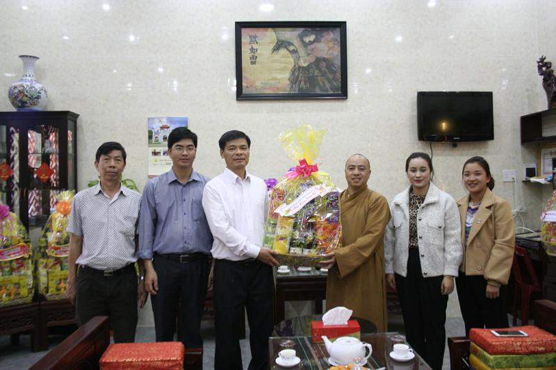 Quý cơ quan chính quyền thăm, chúc tết Ban trị sự Phật giáo huyện CưMgar