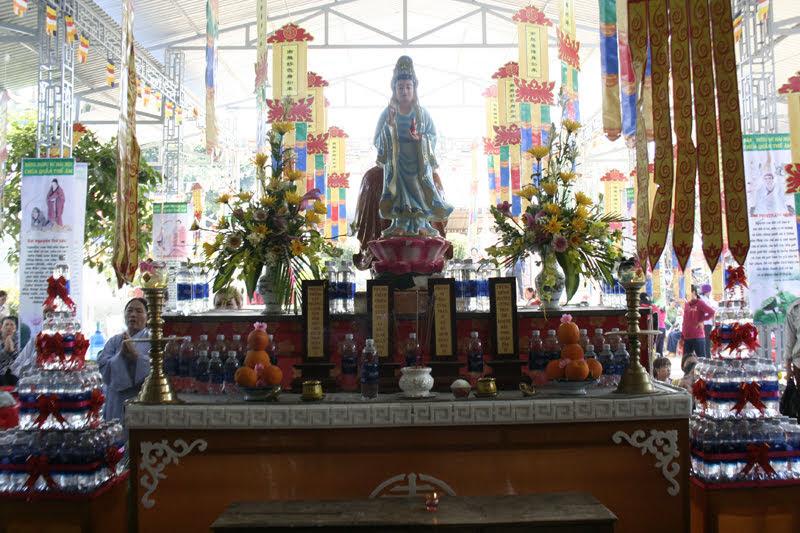 Chùm ảnh Lễ cầu an đầu năm Kỷ Hợi tại các chùa huyện EaKar