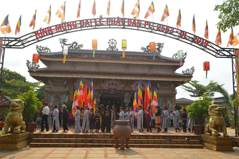Một số hoạt động Phật sự hướng về Đại Lễ Phật Đản PL 2563 tại chùa Hoa Nghiêm