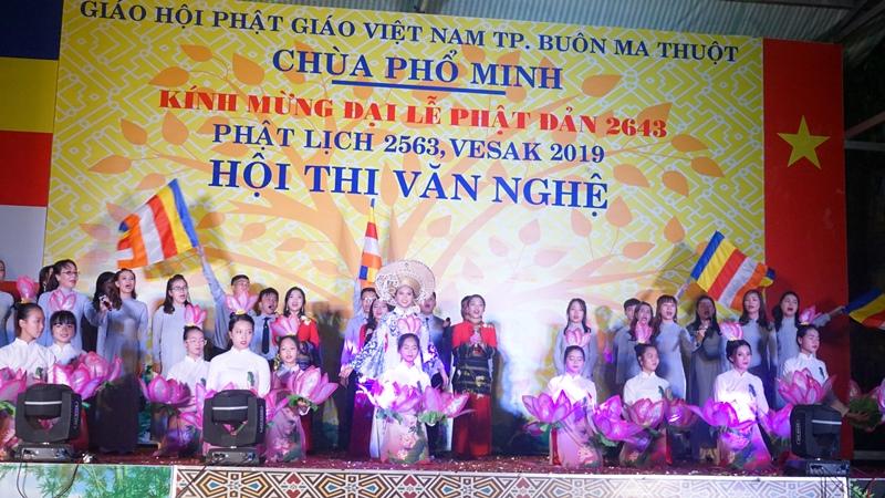 Đêm hội thi văn nghệ chào mừng Đại lễ Phật đản PL 2563 tại chùa Phổ Minh
