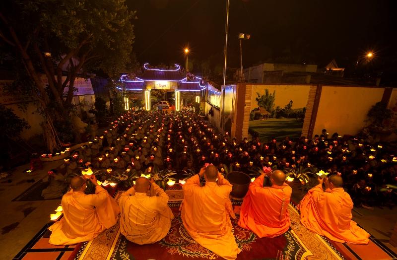Hân hoan chào đón Phật Đản Sanh PL 2563 tại huyện Lak