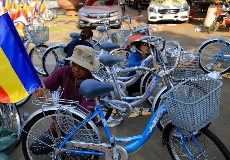 Công tác chuẩn bị diễu hành xe đạp hoa – xe hoa cho ngày Phật đản - PL.2563