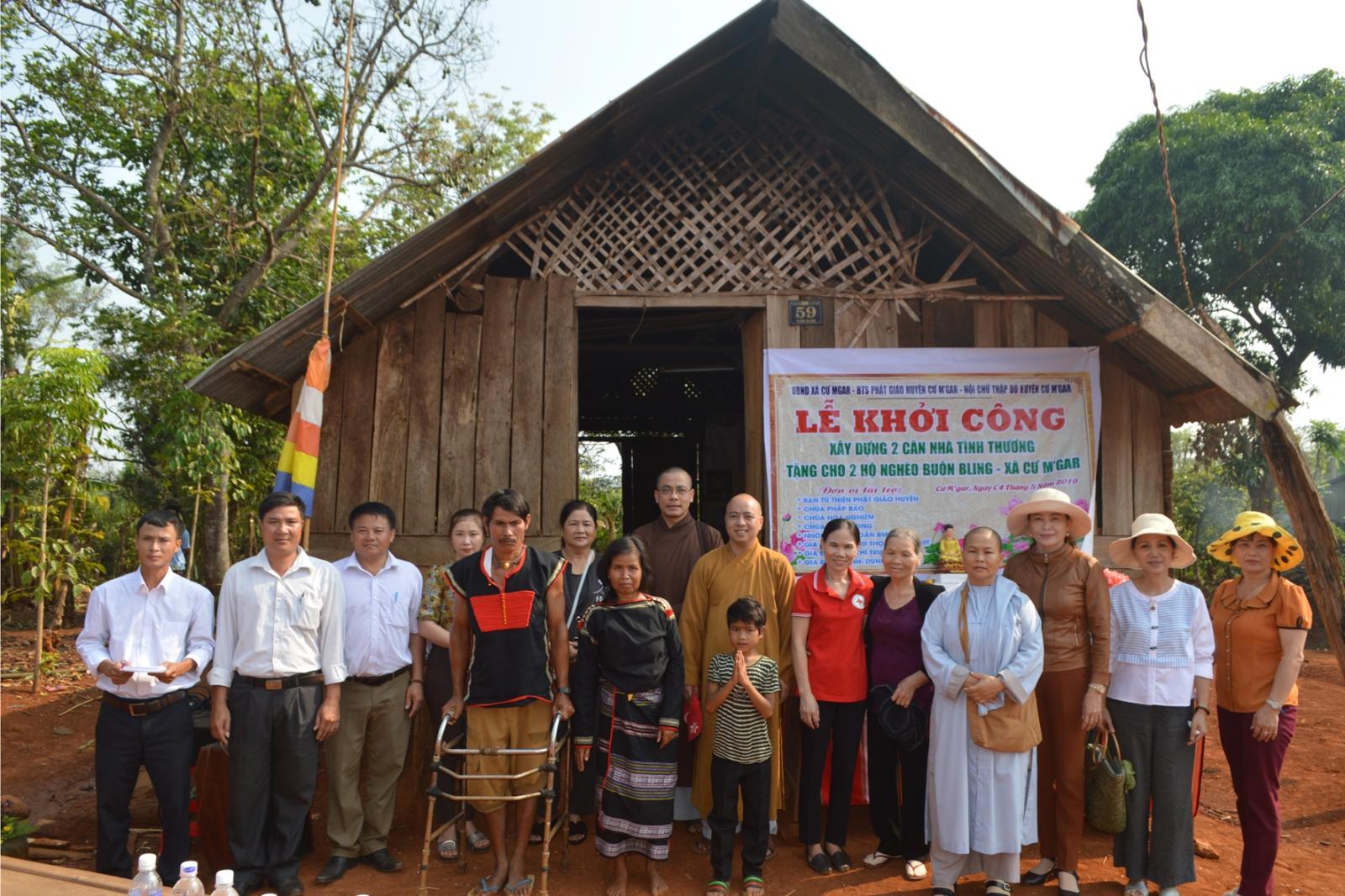 Lễ khởi công xây dựng 2 căn nhà tình thương tại buôn Bling, xã CưMgar