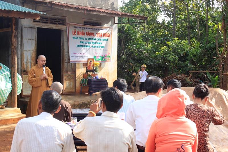 Khởi công sửa chữa cho 2 hộ khó khăn tại buôn Bling huyện Cưmgar