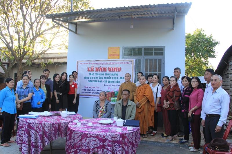 Tặng căn nhà tình thương tại thôn Tiến Đạt, xã Quãng Tiến, huyện Cưmgar