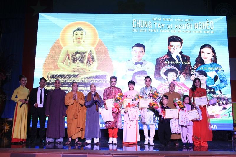 Đêm văn nghệ chung tay vì người nghèo tại chùa Hoa Nghiêm,Cưmgar