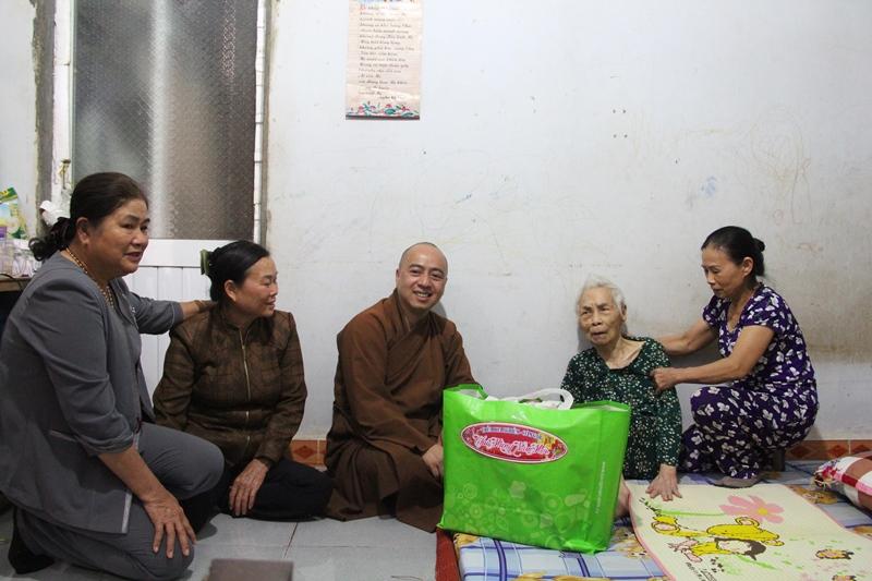 Đến thăm và trao quà tri ân đến 13 cụ Cựu Tù Yêu Nước tại huyện CưMgar