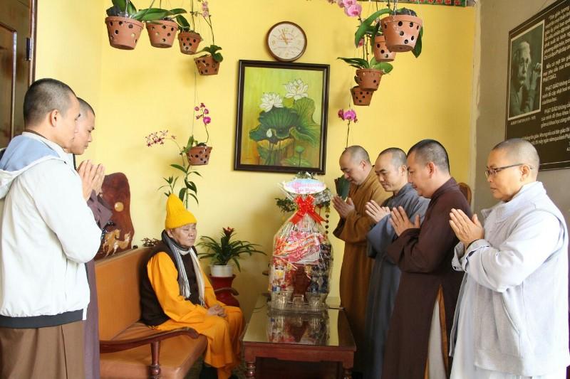 Ban trị sự GHPGVN huyện CưMgar thăm, chúc tết các cấp lãnh đạo