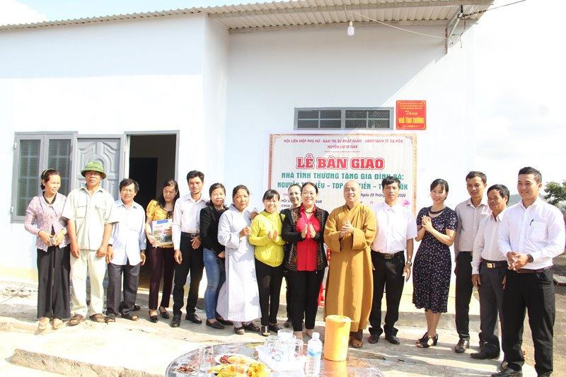 Bàn giao nhà Mái ấm tình thương tại TDP Tân Tiến, thị trấn Eapok