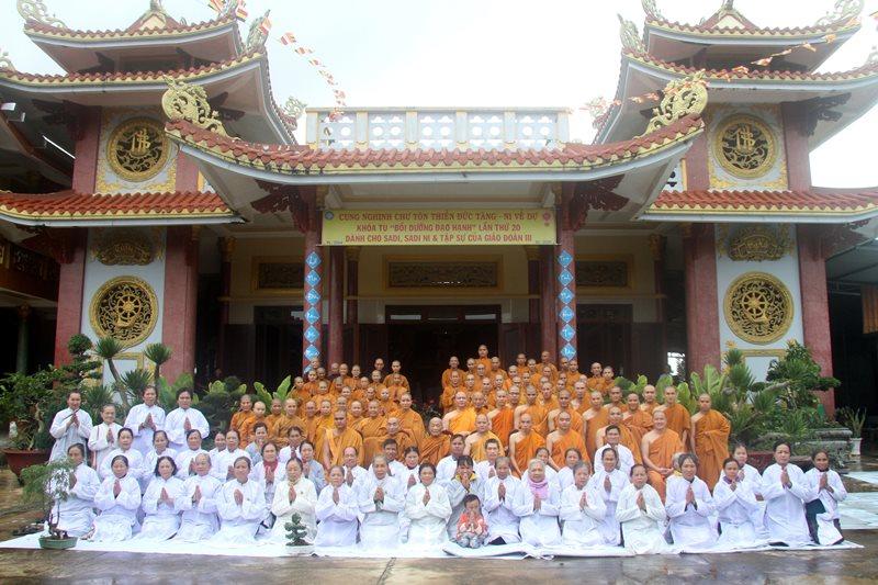 Huyện Eakar: Bế Mạc khóa tu bồi dưỡng Đạo Hạnh